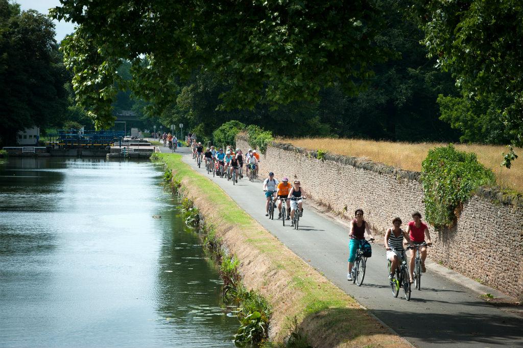 Chasse aux oeufs à Aubechies et balade à vélo