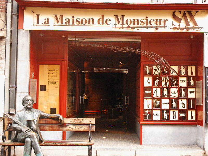 THE HOUSE OF MONSIEUR SAX