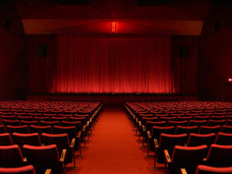 Théâtre : Le Repas des Fauves