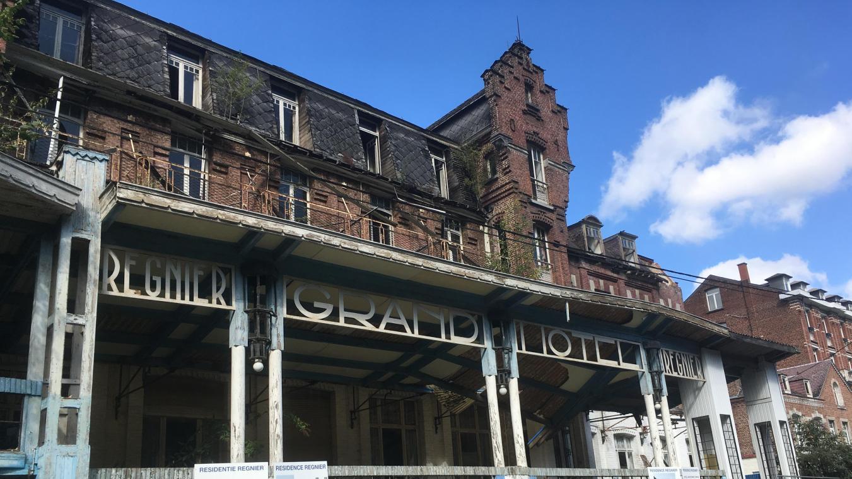 Feu l'hôtel Régnier à Waulsort
