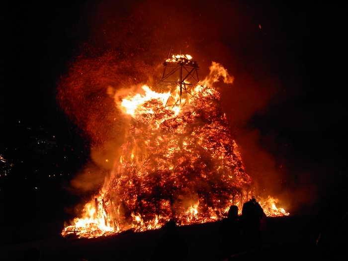 Grand feu de Bouge