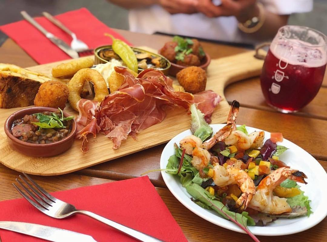 La Cantina, Resto Bar Tapas